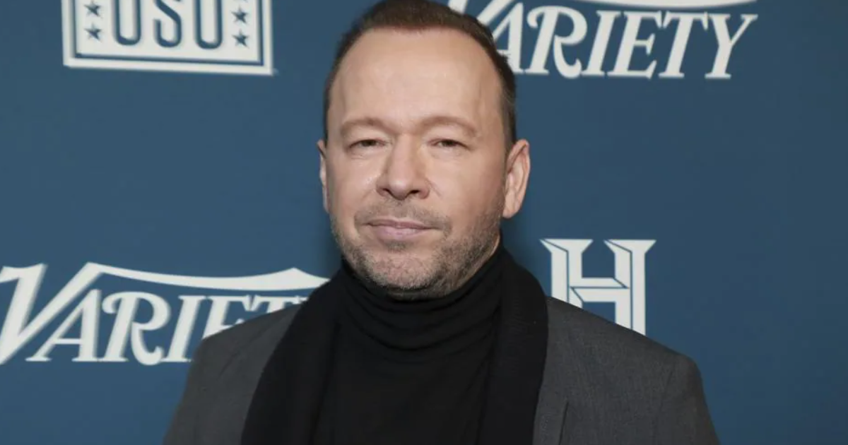 Know About Donnie Wahlberg! thumbnail